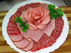 Нарезка оформление нарезки из мяса