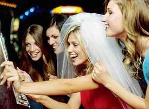 Трахаются на девичнике перед свадьбой 11 фотография