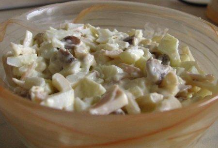 Рецепт салата с кальмарами и яйцом, как приготовить