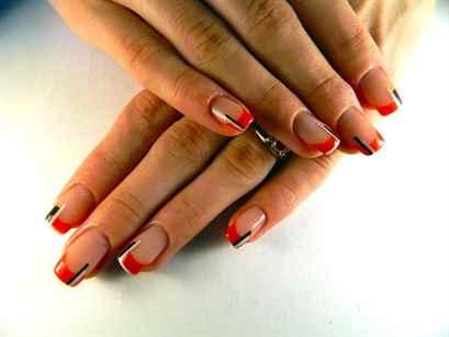 Дизайн зелёных ногтей