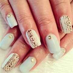 Белые ногти шеллак