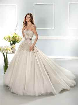 Модные пышные свадебные платья 2015