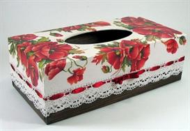 Коробка с красными маками