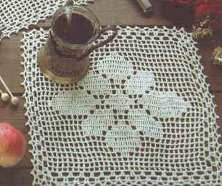 Салфетка с вязаным рисунком