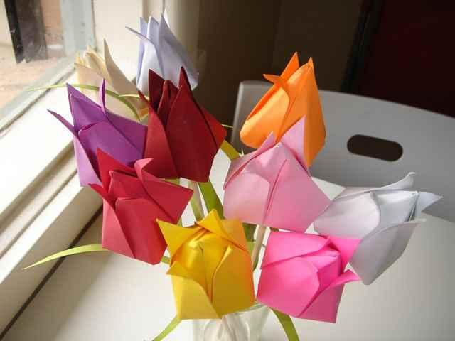 Сделать цветок подарок 53