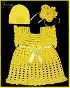 Желтое платье с шапочкой