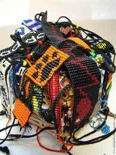 Схемы плетения фенечки с именем из бисера