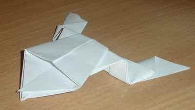 Бумажные лягушки могут быть