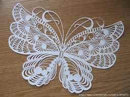 бабочку из бумаги,