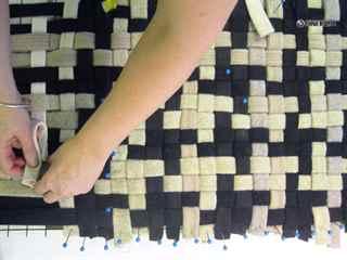 Плетеный коврик своими руками из старых вещей