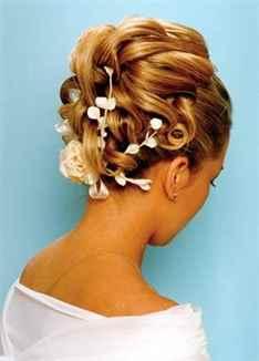Прически на торжество на средние волосы