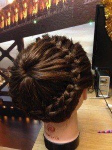 Плетение корзиночки из волос