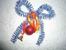 Новогодний венок своими руками из мишуры пошагово фото 586