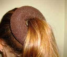 бублик для волос из носка