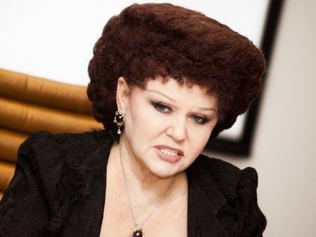 Депутат женщина со странной прической 81