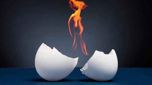 Снятие порчи яйцом: как это сделать правильно