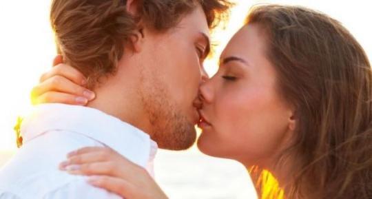 запах изо рта при поцелуи