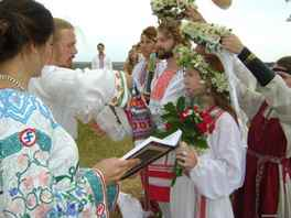 russian wedding traditions The traditional nikah, or marriage ritual, is simplehowever, many muslims also hold multi-day celebrations in honor of the wedding the bride and groom are separated at the wedding and can only see each other if their families allow.