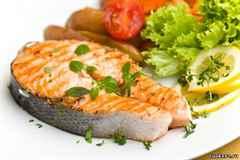 К чему снится красная рыба свежая или соленая, есть или видеть ее во сне