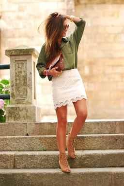 Белая кружевная юбка с чем одеть