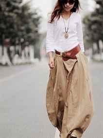 7305493834175f0 И одним из главных удобно-красивых вариантов одежды, конечно же, является льняная  юбка. Давайте выясним, с чем носить льняную юбку.