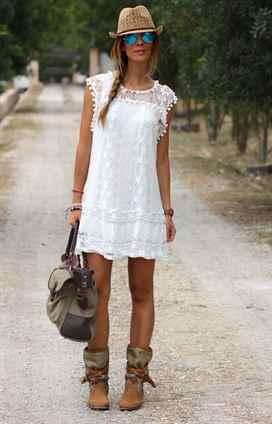 С чем носить кружевное платья