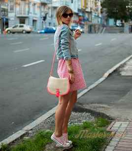 Как носить юбку с кедами и кроссовками, кому подойдет такой образ c03d53fce55