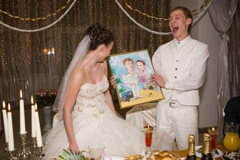 Свадебные подарки молодоженам своими руками 24