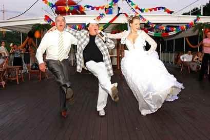 Веселые интересные сценарии свадьбы с конкурсами