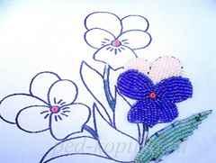 Украсить готовую открытку бисером