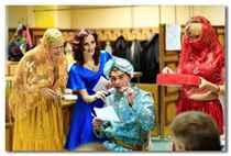 Смешное поздравление на свадьбу от друзей сценка