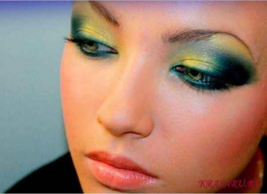 Цвет теней для каре зеленых глаз