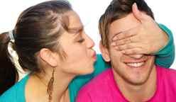 Как удивить любимого мужчину без повода