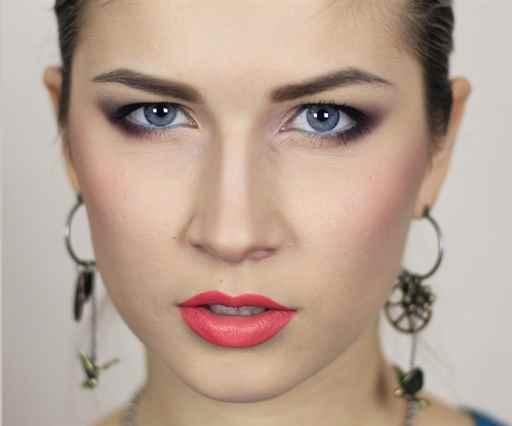 Какой макияж для глаз с нависшими веками
