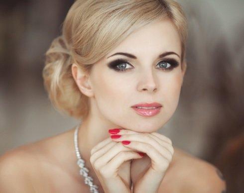 Вечерний макияж для блондинок с зелеными глазами