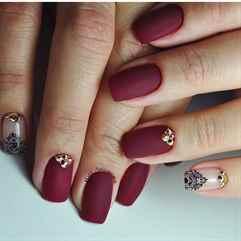Матовые светлые ногти дизайн фото