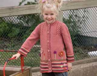Кардиган для девочки 4 года вязание на спицах 323