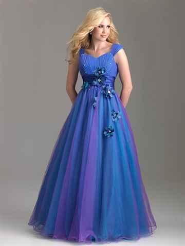 Совет 1: Какое платье сшить на выпускной
