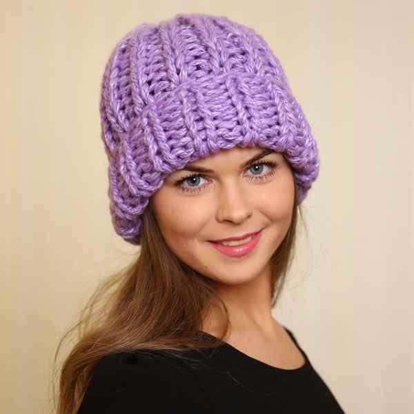 женская шапка крупной вязки с отворотами схема спицами фото и видео